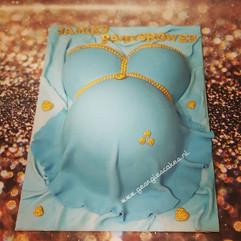 Zwangere buik taart blauw goud.jpg