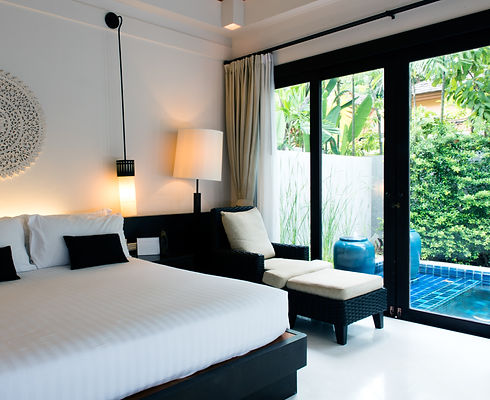 Room%20with%20Private%20Pool_edited.jpg