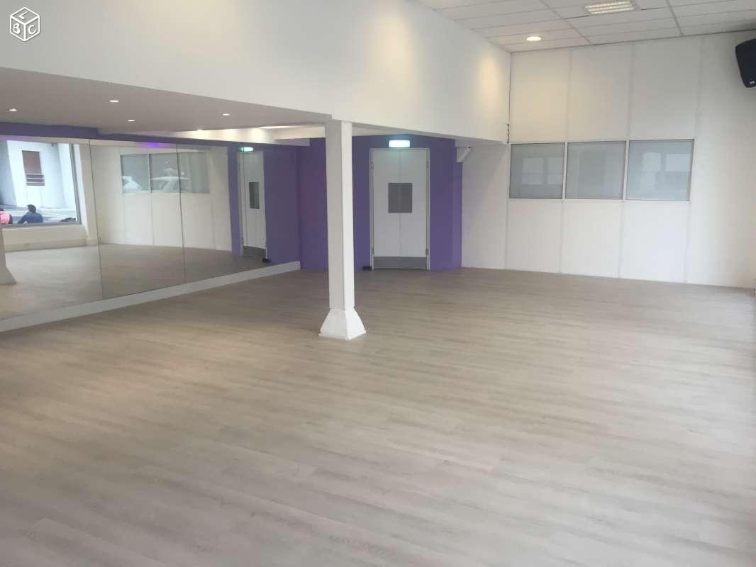 Salle 70m2 XRousse