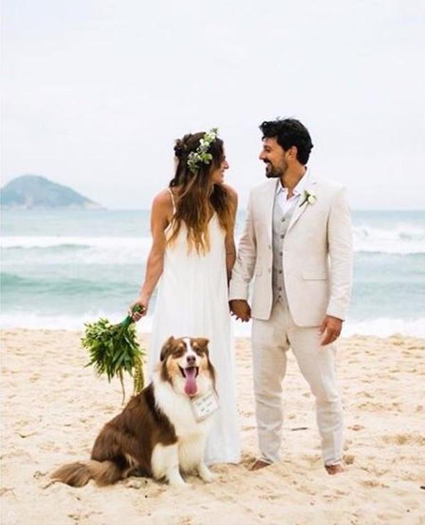 Casamento na praia, cachorros no casamento