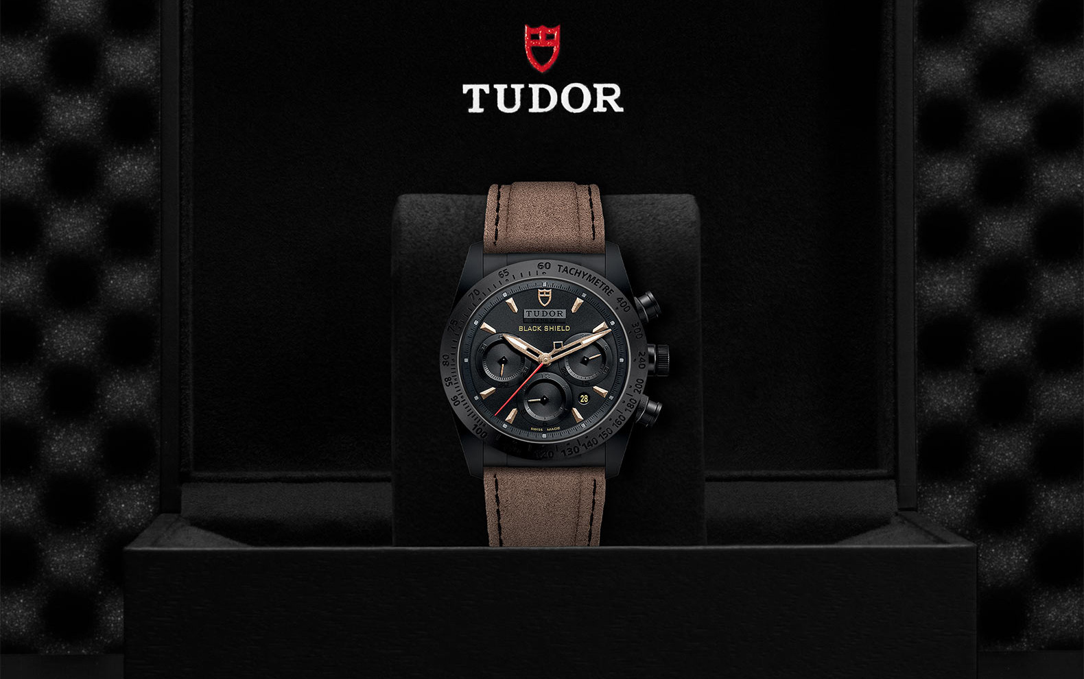 TUDOR_FASTRIDER BLACK SHIELD M42000CN-0016