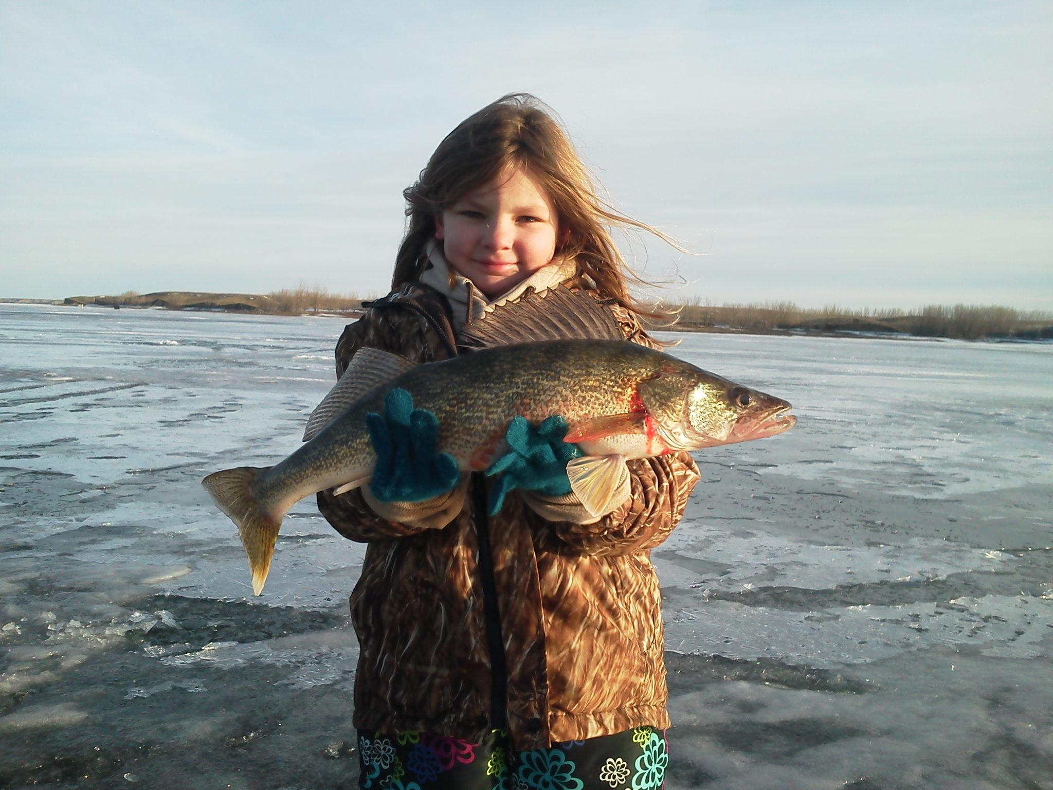 Olivia Albrecht ice walleye