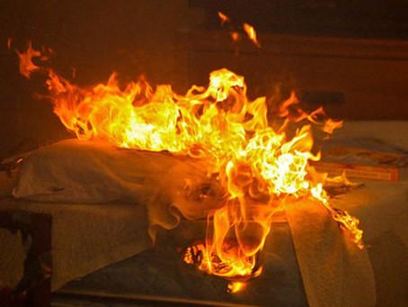 Son matelas a pris feu,il meurt dans l'incendie