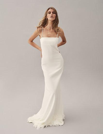 Платье минималистичное с лепестками