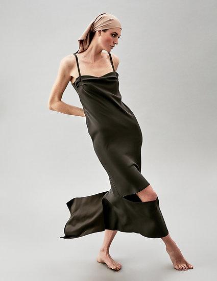 Платье комбинация с воланом и разрезом спереди