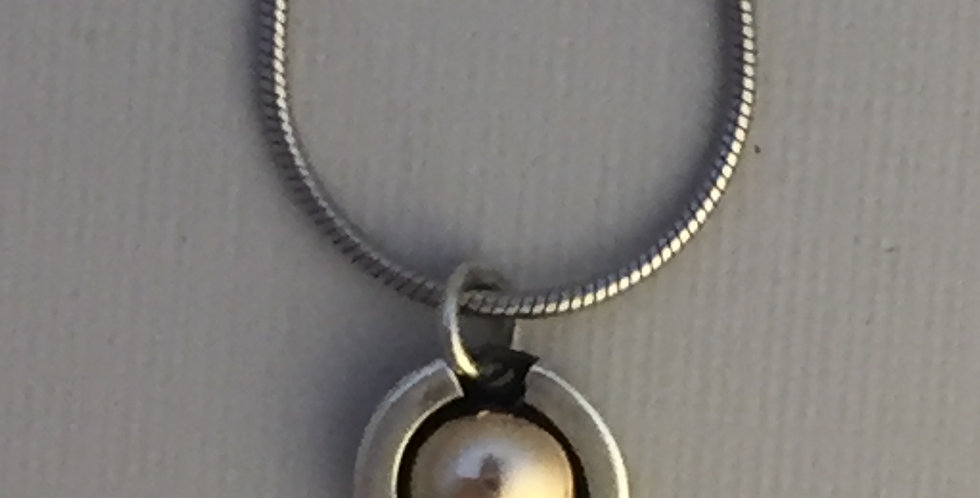 sterling horseshoe with 14kt center