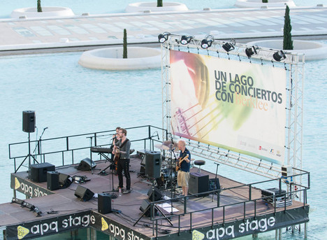 Floating Lago Concert