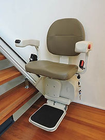 pilot-brownseat-425x525_1.jpg