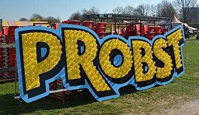 Circus Probst - Schrift - Zirkus Probst - Boarding
