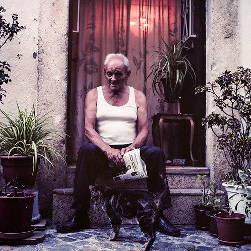 Lisbonne, l'Alfama, l'homme et son chat