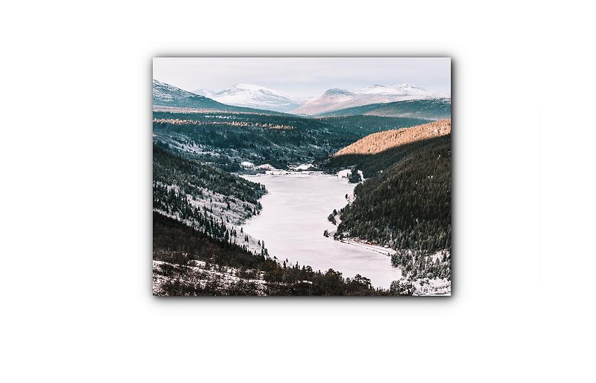 Setningensjøen med nydelig fjellandskap IR Varmepanel Veggbilde Panelovn