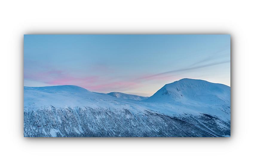 Rosa slørskyer over majestetisk fjell i Tromsø IR Varmepanel Veggbilde Panelovn