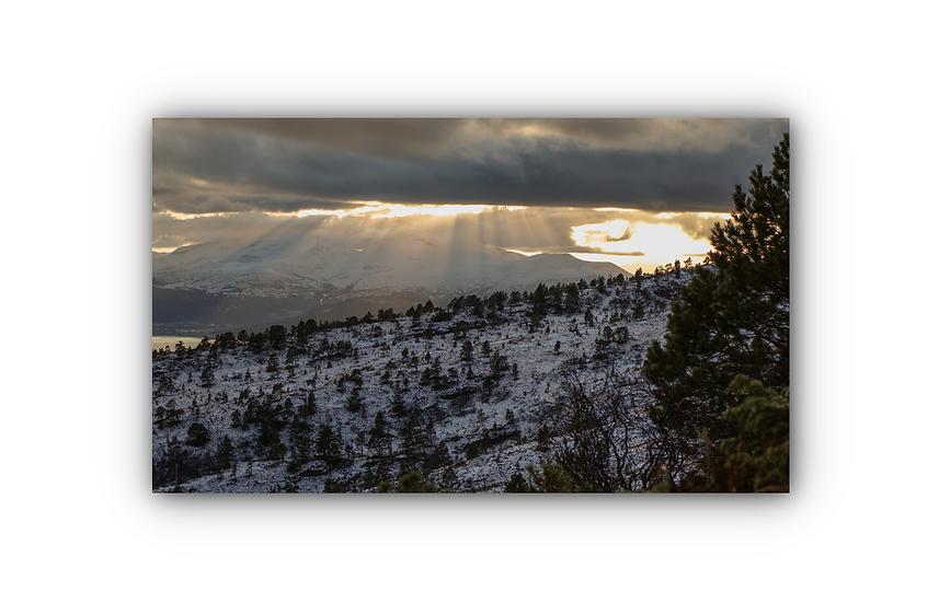 Solstråler og landskap fra skihytte i Molde IR Varmepanel Veggbilde Panelovn