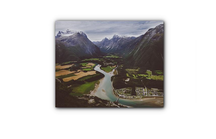 Fjellandskap og elv Rampestreken i Åndalsnes IR Varmepanel Veggbilde Panelovn
