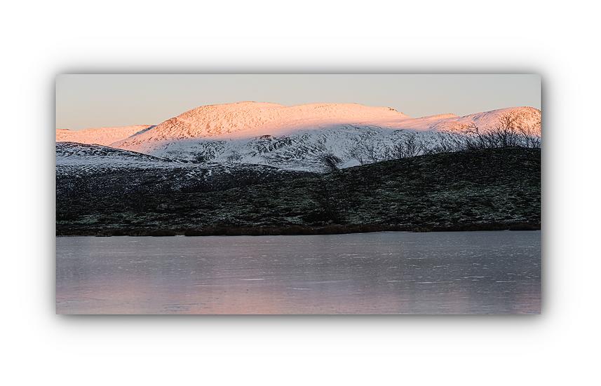 Vinterlandskap med innsjø i Rondane IR Varmepanel Veggbilde Panelovn