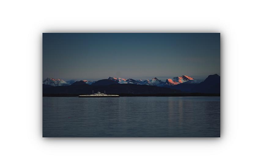 Ferje i soloppgang fra Moldefjorden IR Varmepanel Veggbilde Panelovn