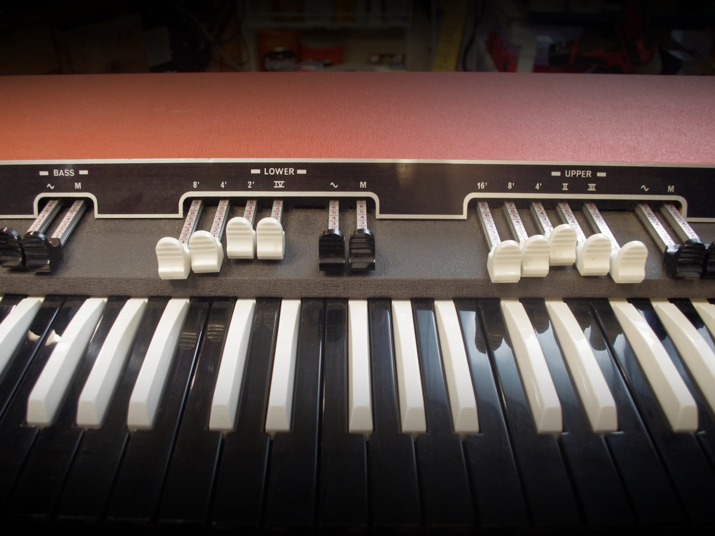 Vox Super Continental Organ drawbars