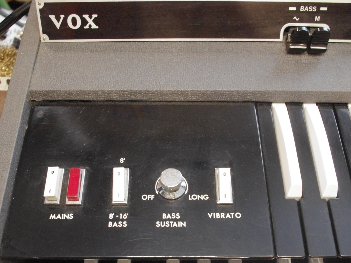 Vox Super Continental Organ controls