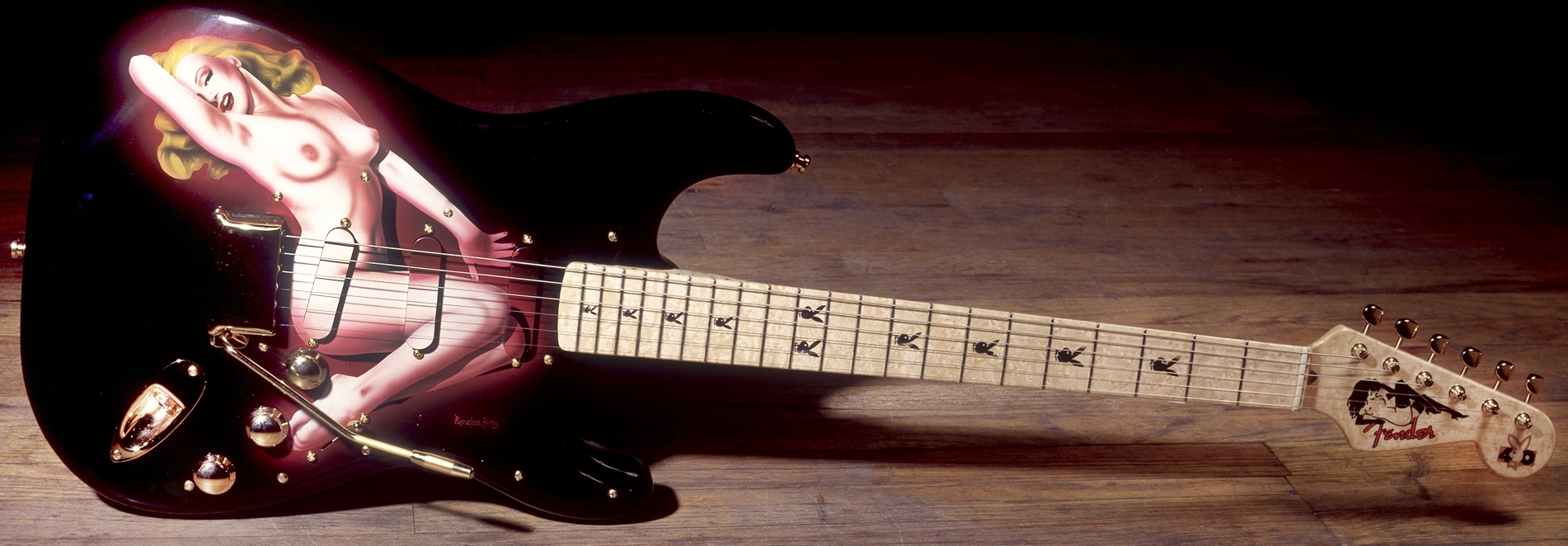 Fender Custom Shop Playboy Marilyn Monroe Stratocaster