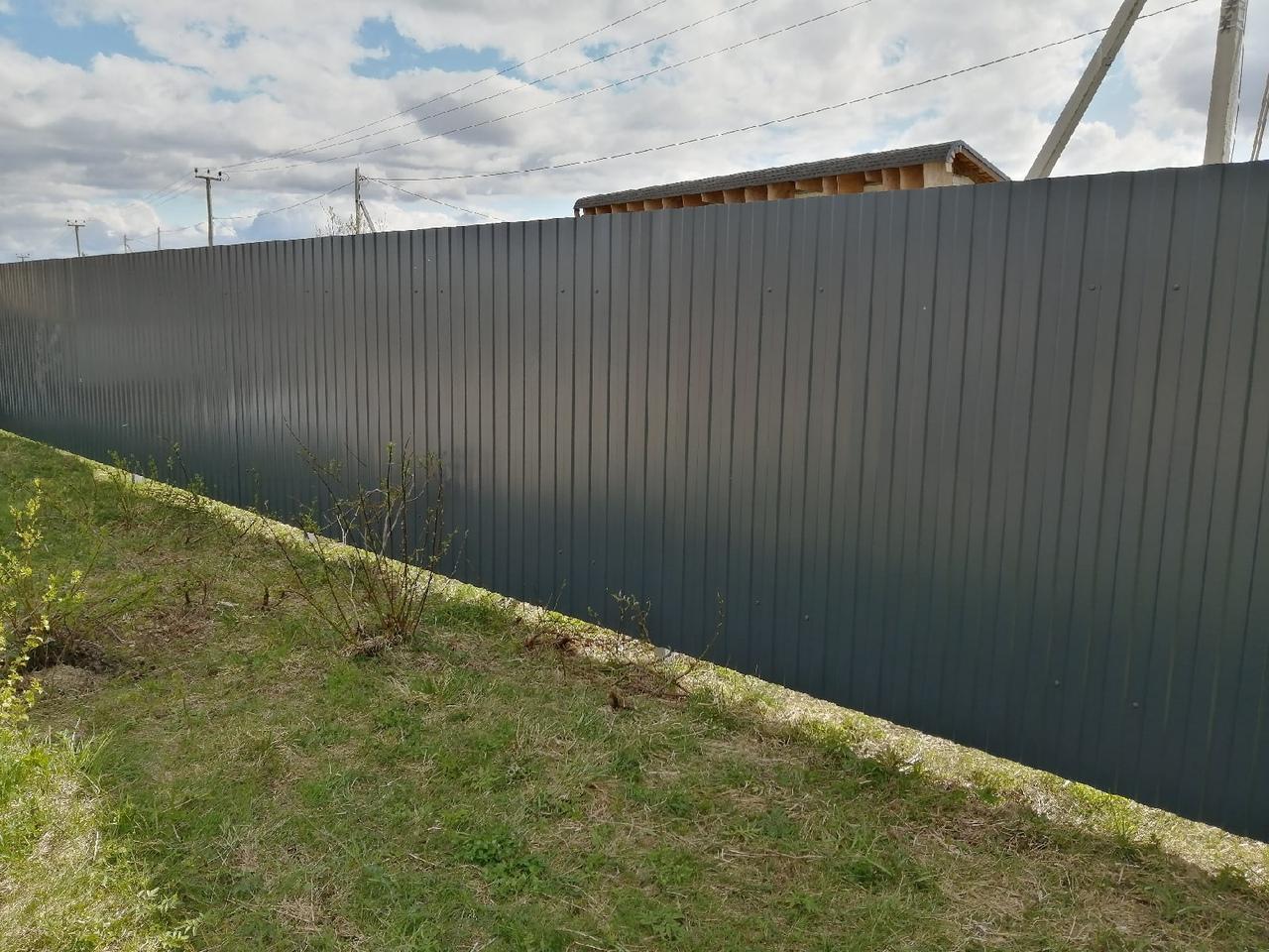 Забор из металлического штакетника ПроСтрой