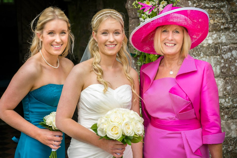 han,+marie+and+mum+wedding+pic.jpg