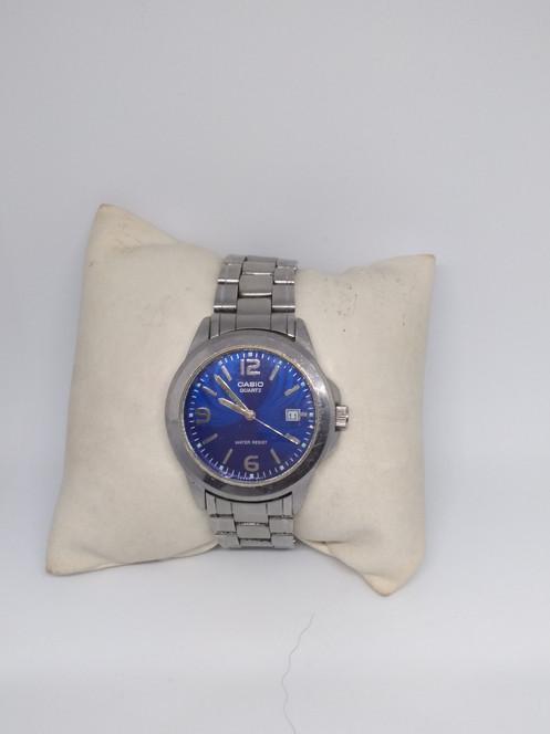 9eb093028faf Código de descuento para esta tienda Casio 001....reloj Casio usado en  excelente estado buena presentación.