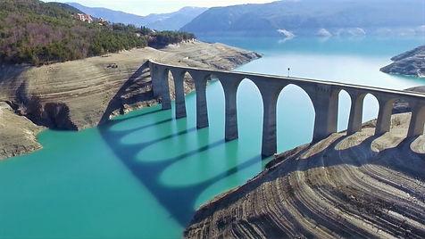Savines-le-lac. Gare. Train. Mobilité. Transport en commun. Gare. Hautes-Alpes. Baie Chanteloube. Baie St Michel