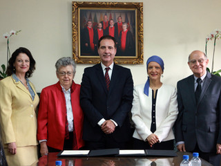 Cátedra UNESCO de Derechos Humanos ULaSalle-CEDE firma importante convenio