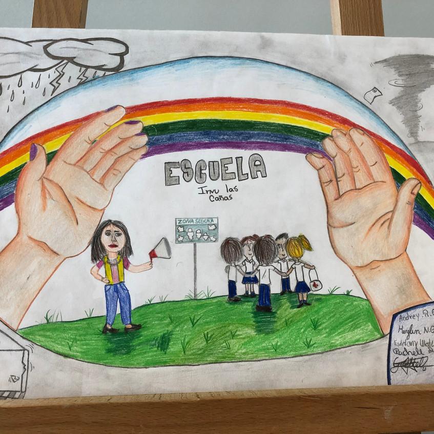 """Detalle de la obra """"Mi Escuela me protege"""", elaborada por estudiantes de 2do ciclo de la Escuela INVU Las Cañas y galardonada con el primer lugar a nivel mundial, en la categoría de Educación Primaria"""