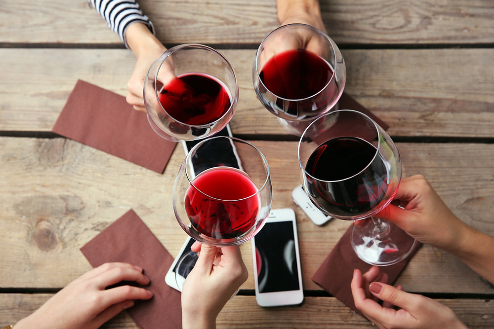 Cinco vinos para tomar con amigos