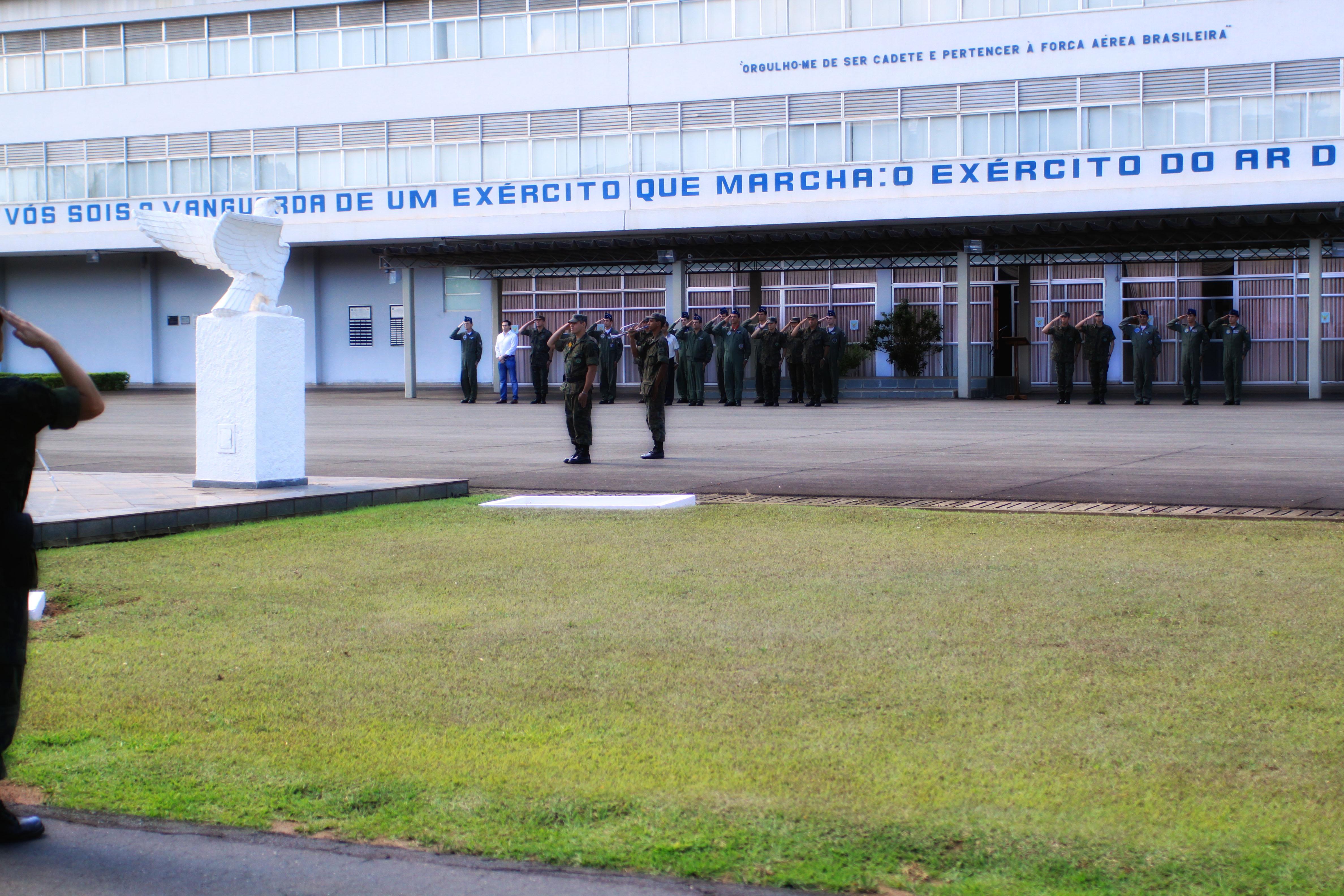 Corpo de Cadetes da AFA - Formatura de Passagem de Serviço (Parada Diária) - Honras militares ao Com