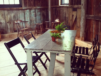 How to decorate for an amazing Barn Wedding.
