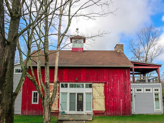 Welcome Barn on the Pond!  A Wonderful place for a weekend getaway or a Fabulous Barn Wedding!