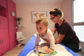 Pourquoi amener son bébé chez l'ostéopathe ?