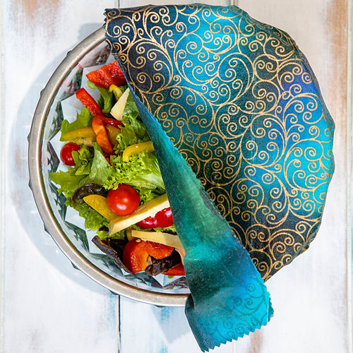 Beeswax Wrap with salad-2.jpg