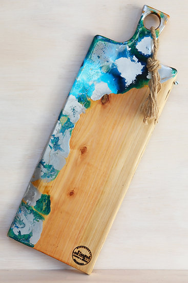 resin art serving cheese grazing board macrocarpa or oregon ©starfish photos