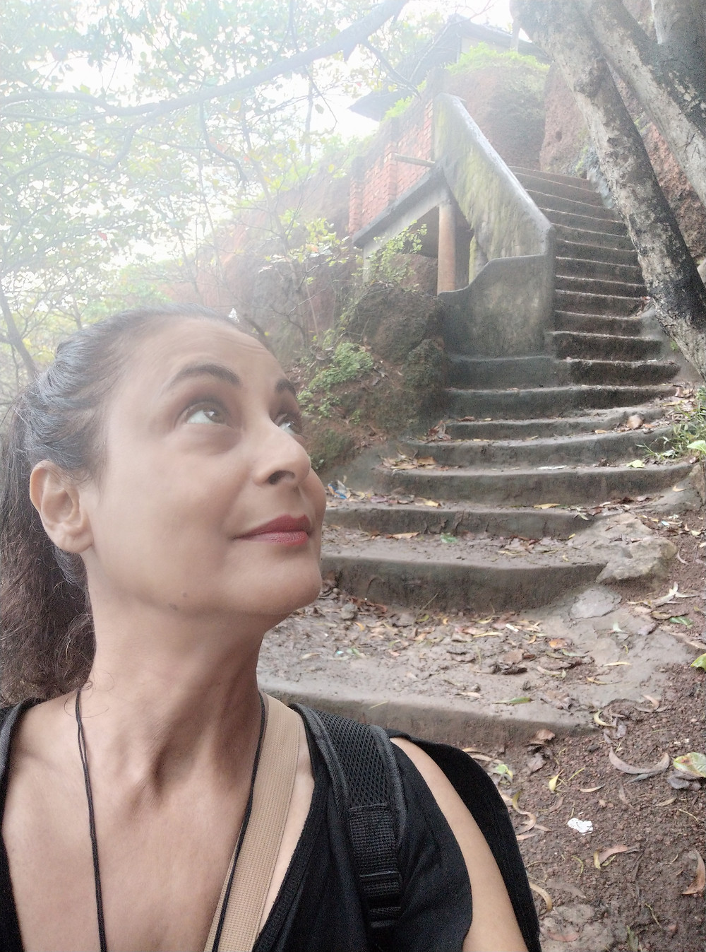 וורקלה מדרגות מהצוק אל חוף הים