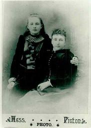Gena & Sara