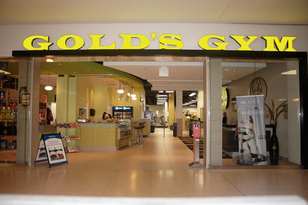 Golds Gym (13).JPG