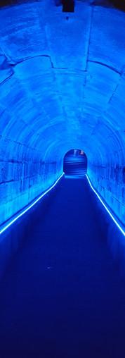 Lichttunnel in Blau