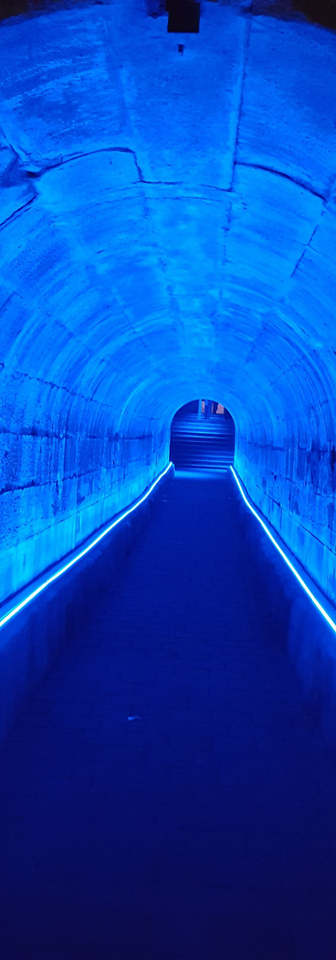 Lichttunnel in Blau