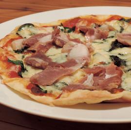 013.生ハムのピザ