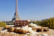GNAW CHOCOLATE IN FRANCE EIFFEL TOWER MAGIC