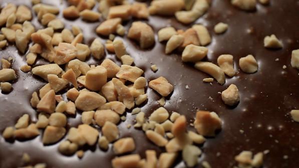 GNAW CHOCOLATE ROASTED NUTS MILK CHOCOLATE UAE