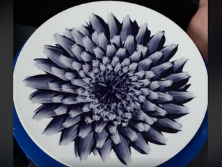 In Bloom - Zemer Peled painting on porcelain
