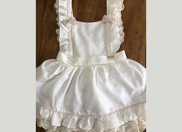 Vestido Linho Branco com Detalhes em Renda