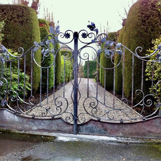 002 Arts and Crafts Gate