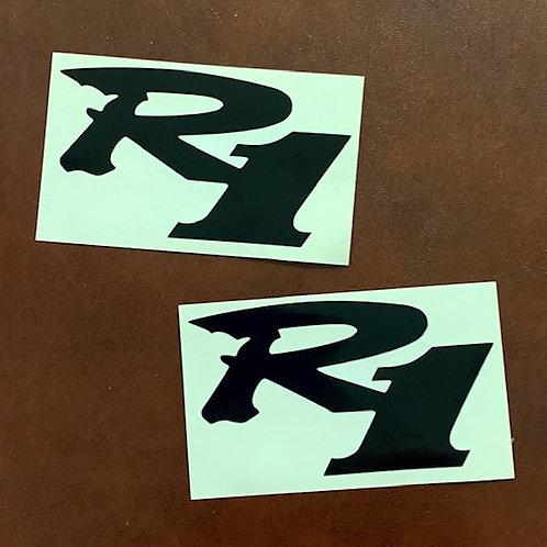 vinilo recortado R1 negro para moto