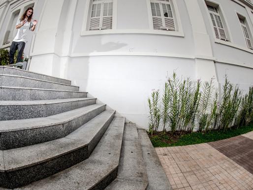 Lehi Leite para a Kronik skateboard