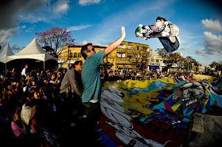 Álbum de fotos: Festa de 20 anos Drop Dead